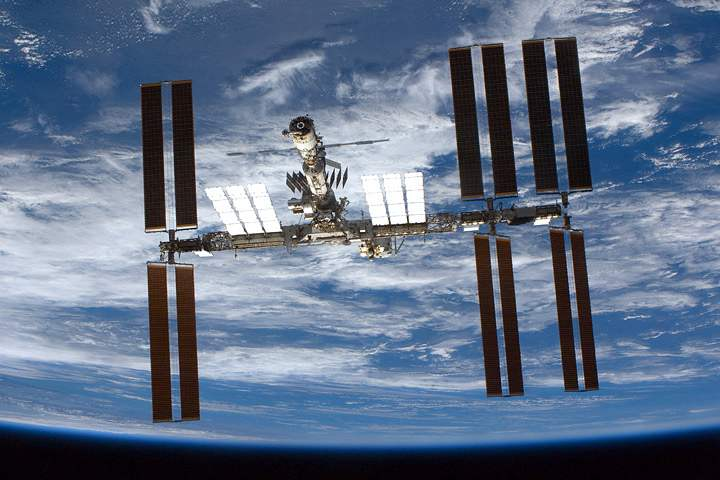 Earth Satellite Orbits